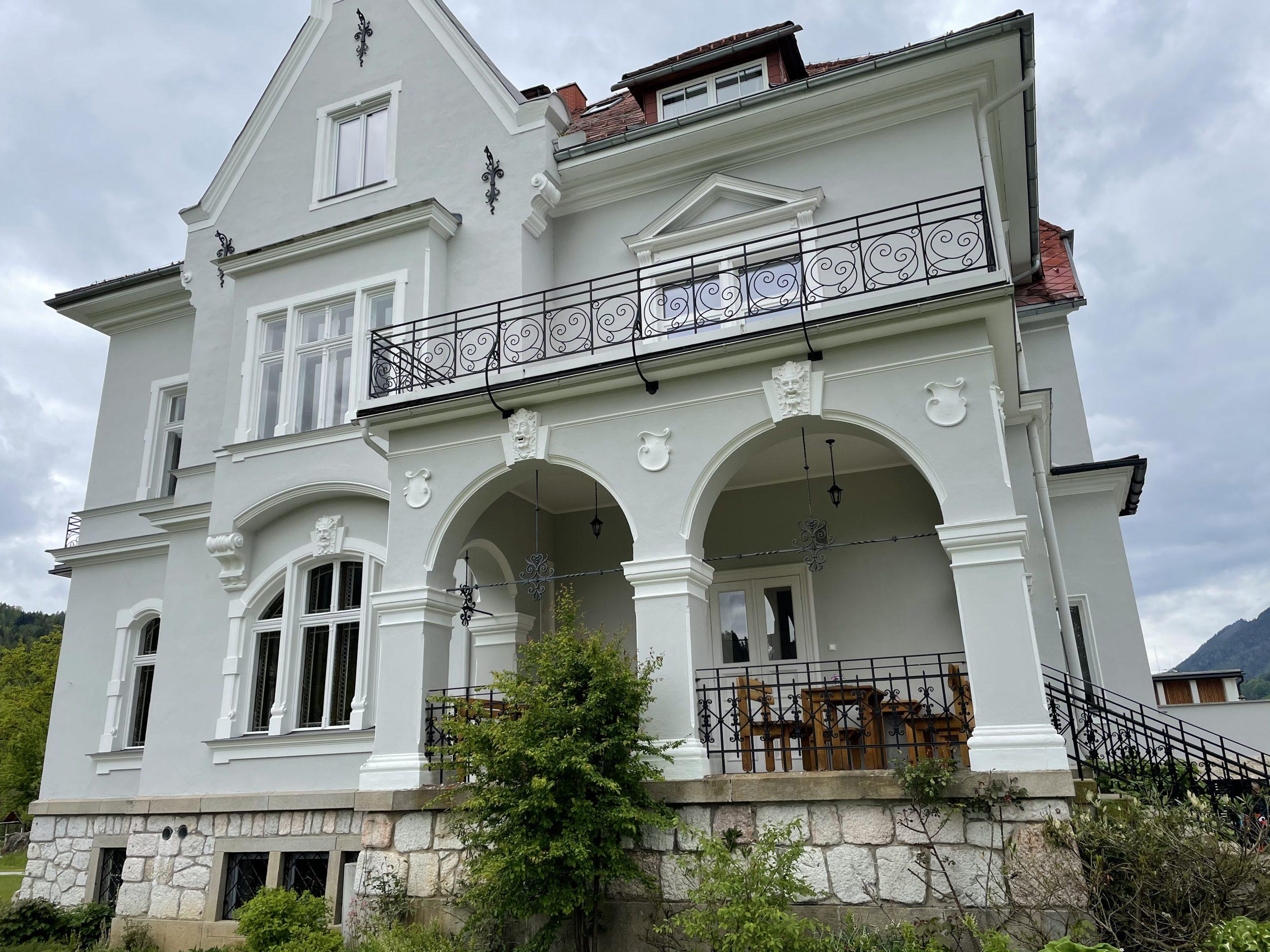 Villa Bergzauber exclusive Austrian wedding location