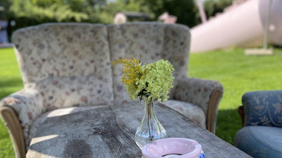 Easy Wildflower Wedding at the Stadtflucht Bergmühle
